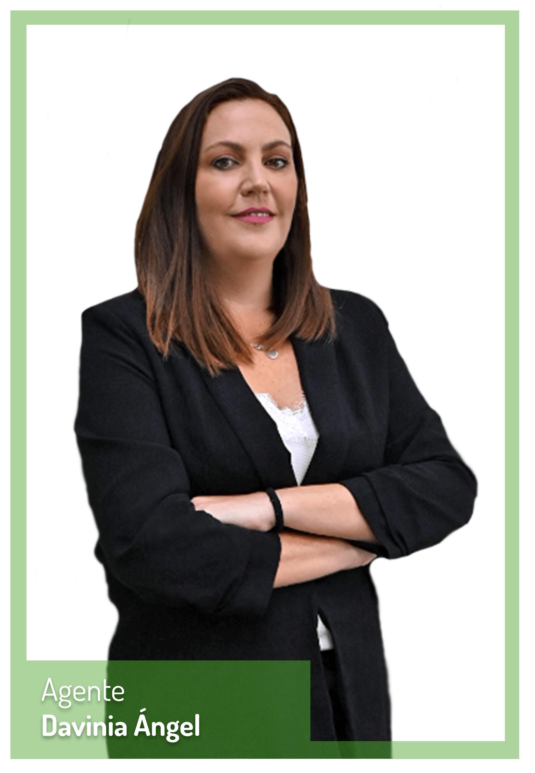 Davinia Angel asesora inmobiliaria Planetacasa El Rincon y La Cala Malaga